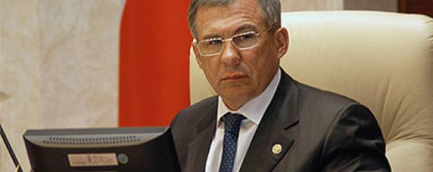 Рустам Минниханов пообещал посодействовать в решении вопроса о ремонте дорог во дворах Нижнекамска