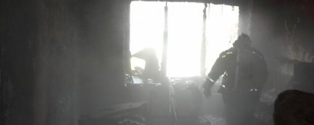 Из горящего жилого дома в Нижнекамске пожарные спасли 15 человек