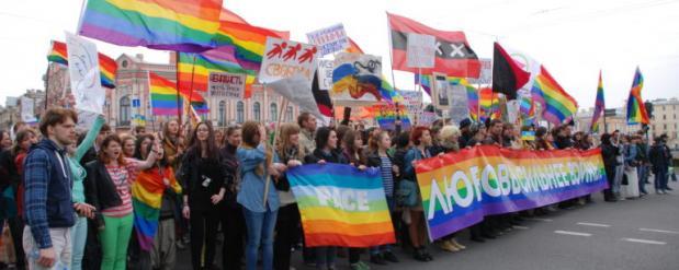 Суд отказал ЛГБТ-активистам в проведении гей-парада в Нижнекамске