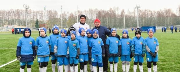 Братья Метшины сыграли на новом футбольном поле в Нижнекамске