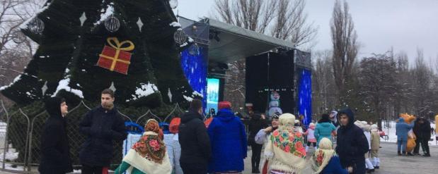 Елочный городок в Нижнекамске был открыт гостями из Китая